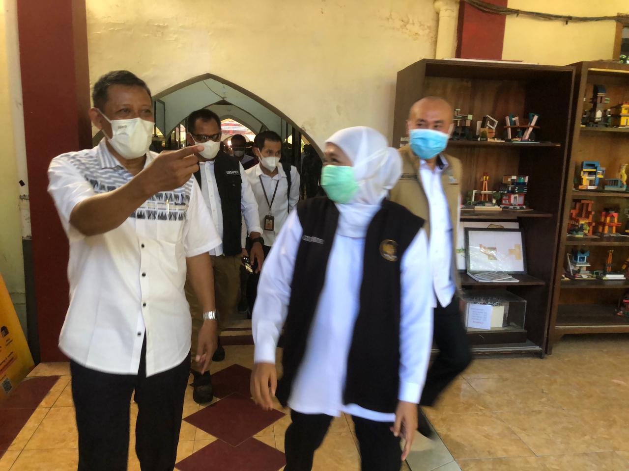 Kunjungan Gubernur dalam kegiatan Vaksinasi